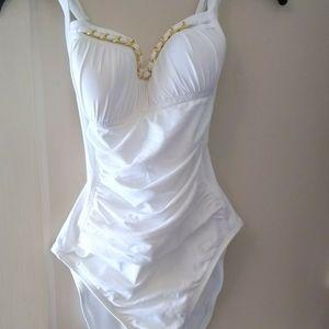 Nwt $123 Sz 10 Bleu Rod Beattie white Swimsuit